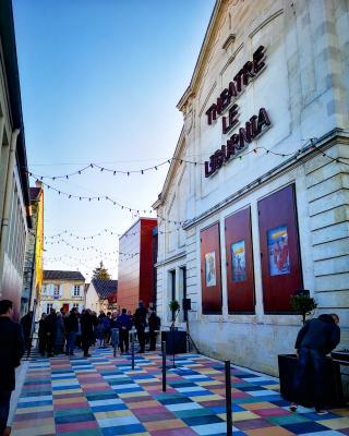 Abords du théâtre, le renouveau de la rue Donnet